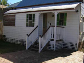 A Pine Cottage - Melbourne Tourism