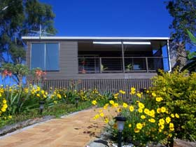 Lamb Island Bed and Breakfast - Melbourne Tourism