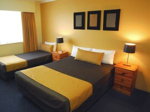 Mt Ommaney Hotel Apartments - Melbourne Tourism