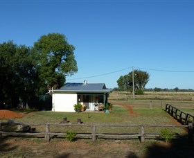 Charleville Bush Caravan Park and Cottage