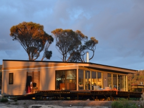 Sawyers Bay Shacks - Melbourne Tourism