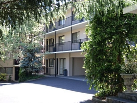 Grosvenor Court Apartments - Melbourne Tourism
