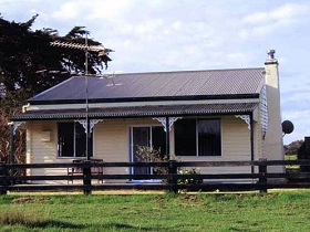 Leafmoor Cottage - Melbourne Tourism