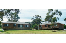 Yaringa Holiday Cottages - Melbourne Tourism