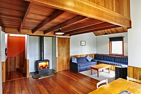 Lake St Clair Lodge - Melbourne Tourism