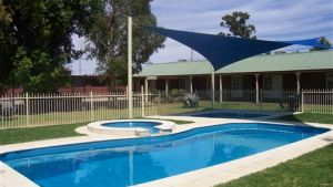 Carn Court Holiday Apartments - Melbourne Tourism