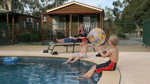 Lake Fyans Holiday Park - Melbourne Tourism