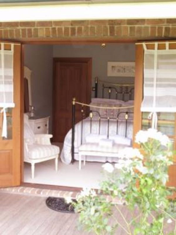 Appin Homestay Bed and Breakfast - Melbourne Tourism