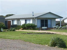 Coorong Waterfront Retreat - Melbourne Tourism