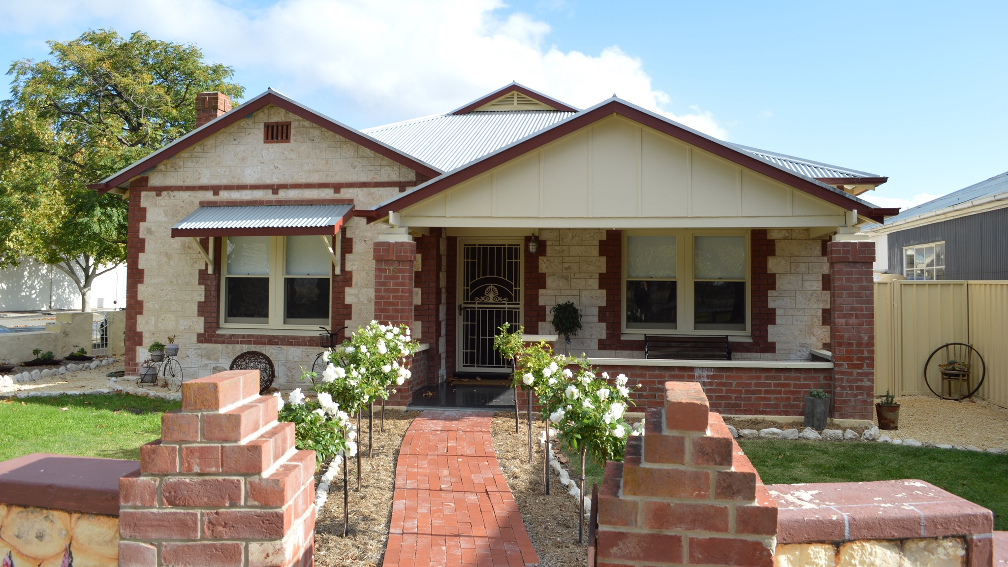 Two Cow Cottage Bed and Breakfast - Melbourne Tourism