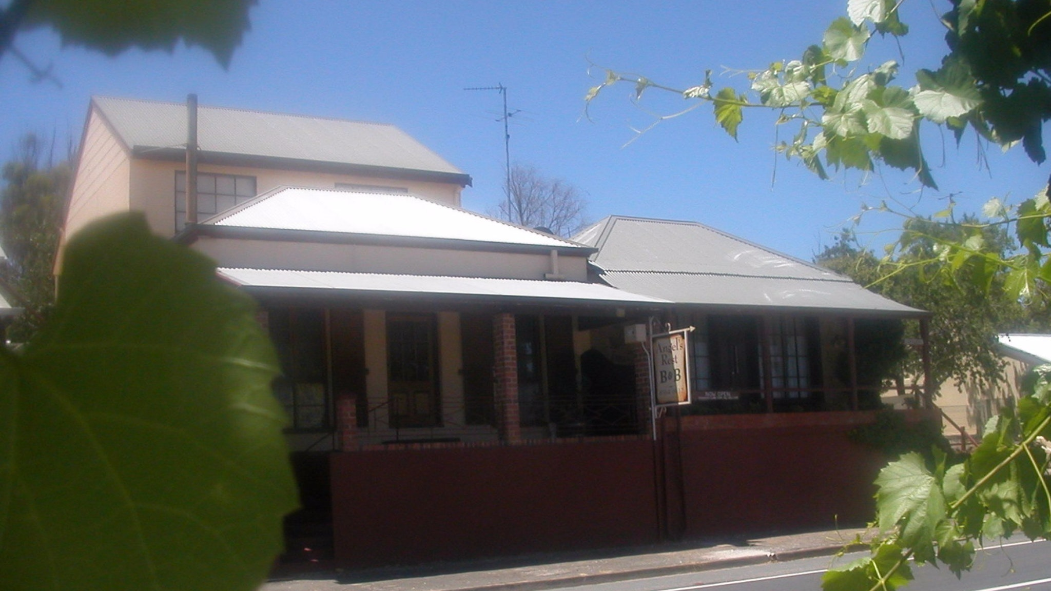 Angel's Rest Bed and Breakfast - Melbourne Tourism