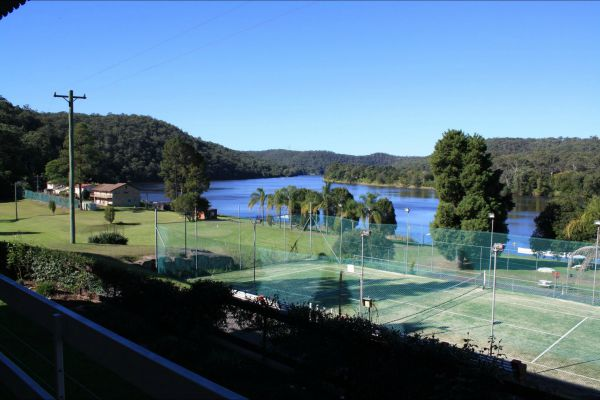 Juniors on Hawkesbury - Melbourne Tourism