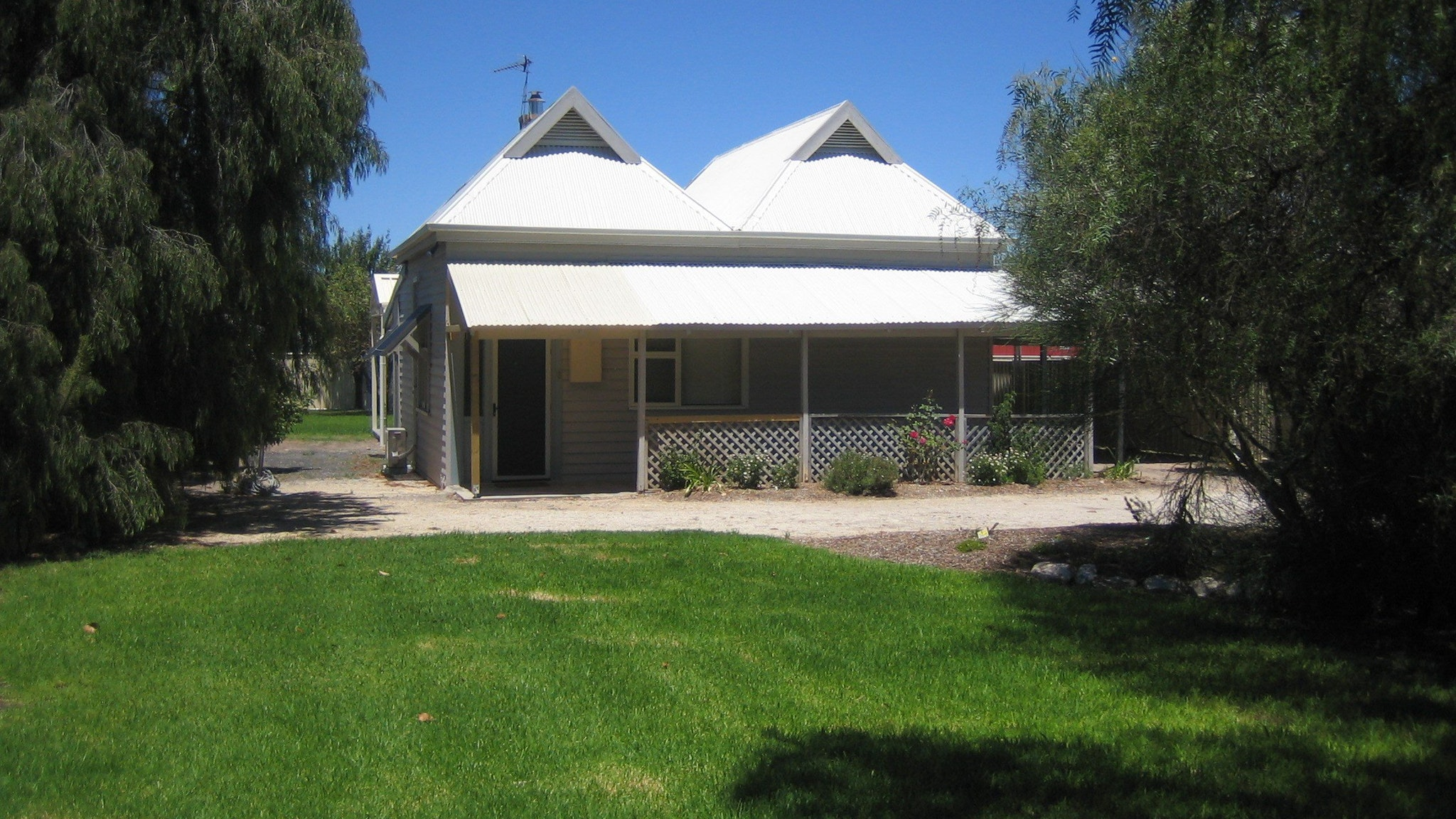 Naracoorte  Showgrounds Cottage - Melbourne Tourism