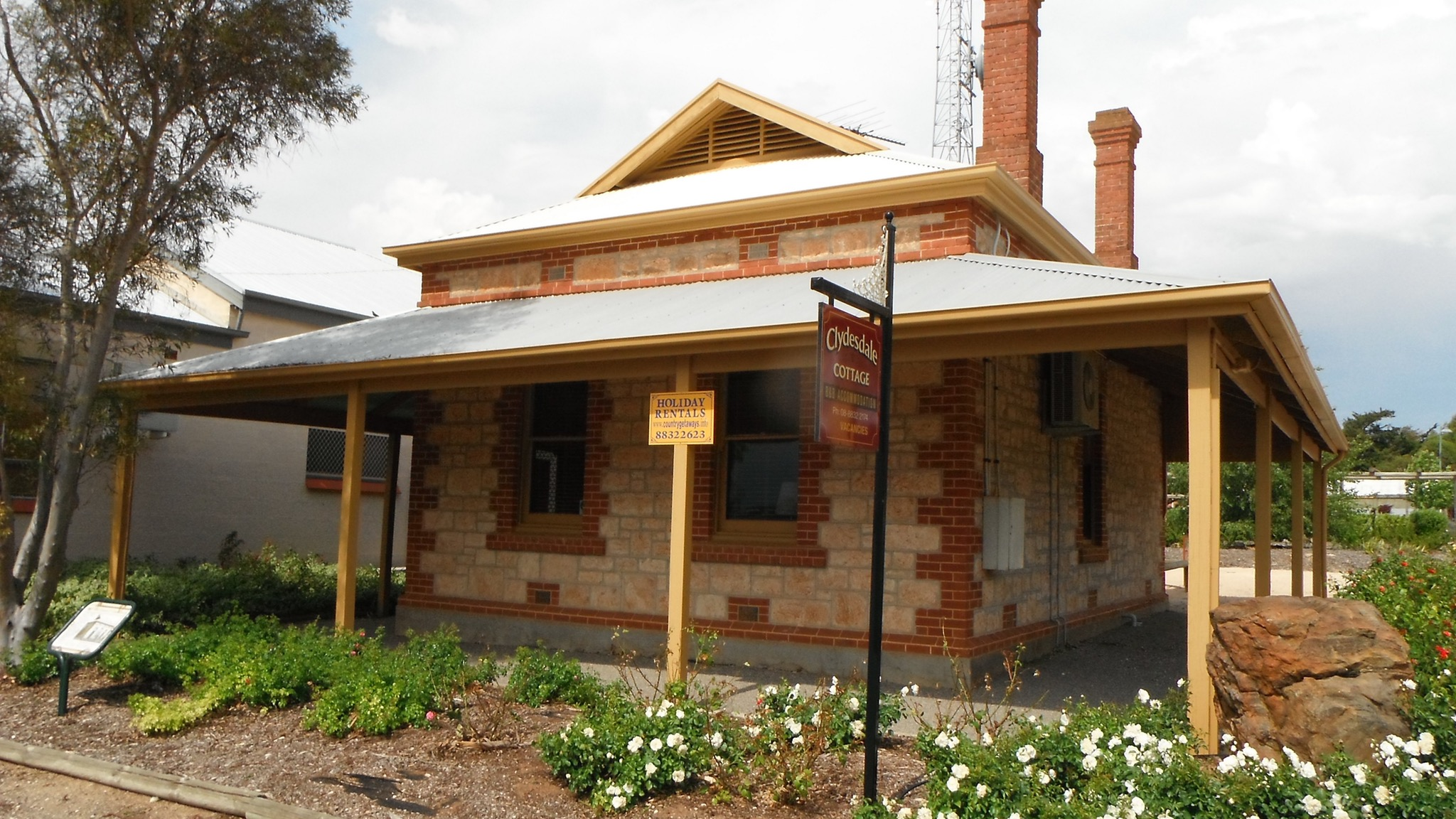 Clydesdale Cottage Bed  Breakfast - Melbourne Tourism