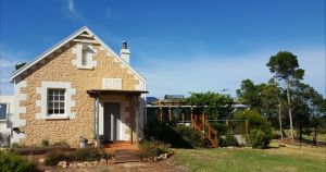 The Old Drik Drik Schoolhouse Retreat - Melbourne Tourism