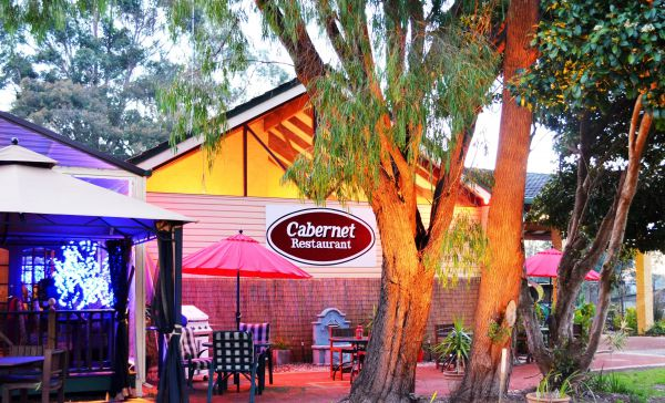 Kingsley Motel and Cabernet Restaurant - Melbourne Tourism