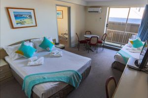 Newcastle Beach Hotel - Melbourne Tourism