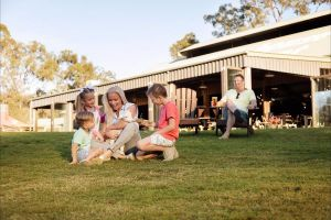 Paradise Country Farmstay - Melbourne Tourism