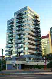 Beachfront Towers Holiday Apartments - Melbourne Tourism