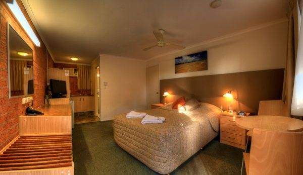 Blue Waters Motel - Melbourne Tourism