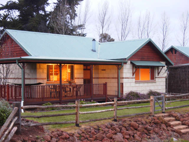 Clover Cottage Country Retreat - Melbourne Tourism