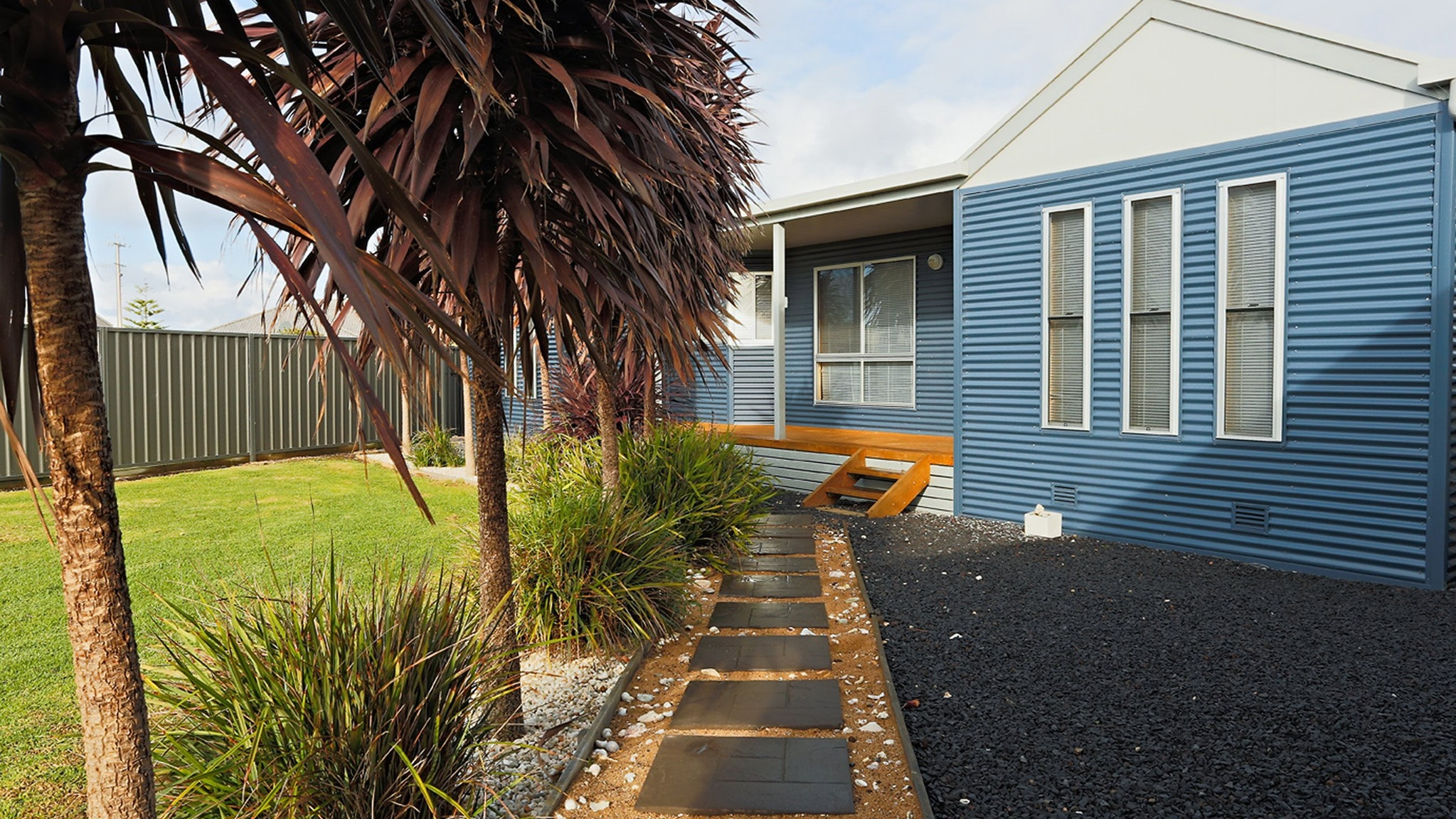 BLUE FIN part of BLUE FIN HOLIDAY HOMES - Melbourne Tourism