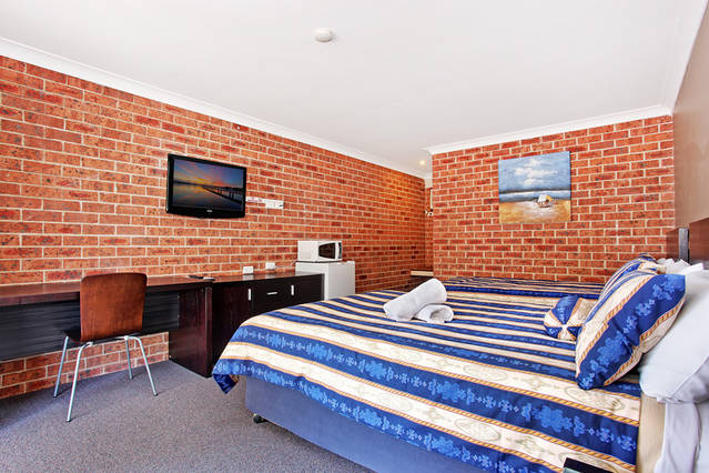 Lake Macquarie Motor Inn - Melbourne Tourism