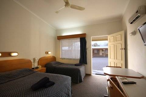 Rest Point Motor Inn and Hereford Steakhouse - Melbourne Tourism
