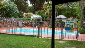 Acclaim Pine Grove Holiday Park - Melbourne Tourism