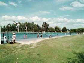 Millicent Swimming Lake - Melbourne Tourism