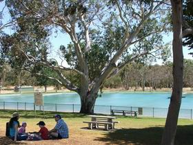 Naracoorte Nature Park and Swimming Lake - Melbourne Tourism