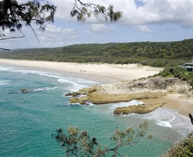Main Beach North Stradbroke Island - Melbourne Tourism