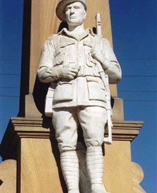 Beaudesert War Memorial - Melbourne Tourism