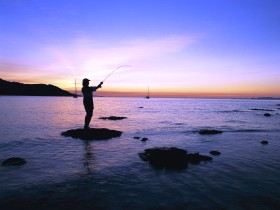 Fishing at Magnetic Island - Melbourne Tourism