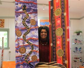 Apma Creations Aboriginal Art Gallery and Gift shop - Melbourne Tourism