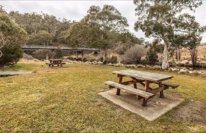 Thredbo River picnic area - Melbourne Tourism