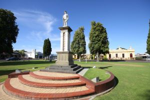 Naracoorte Town Square - Melbourne Tourism
