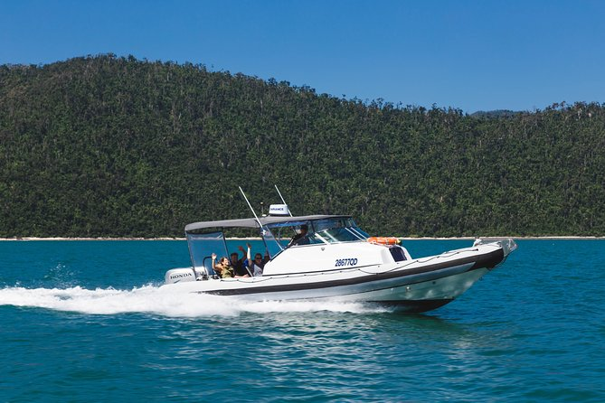 Private Standard Charter Experience in Whitsundays - Melbourne Tourism