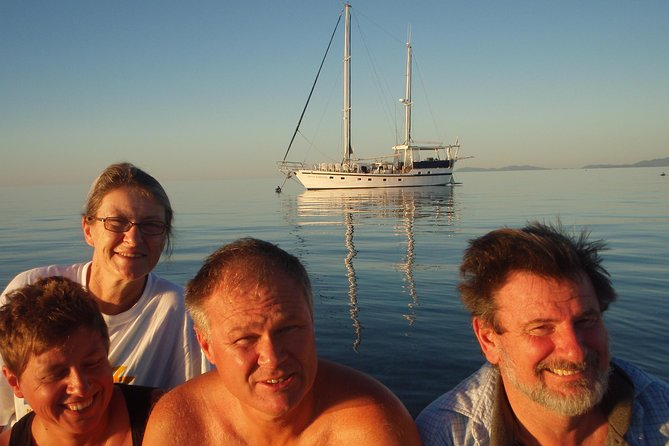 Great Barrier Reef Luxury Expedition Cruise cabin booking 7 days 6 night - Melbourne Tourism