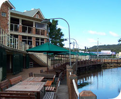 The Woodport Inn - Melbourne Tourism