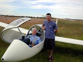 Waikerie Gliding Club - Melbourne Tourism