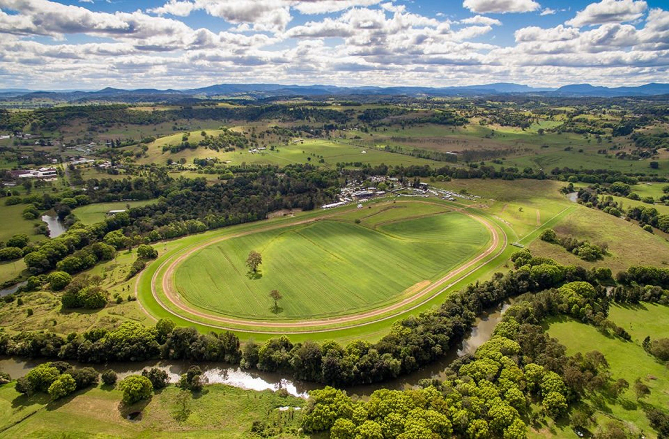 The OBrien Electrical and Plumbing Lismore Cup - Melbourne Tourism