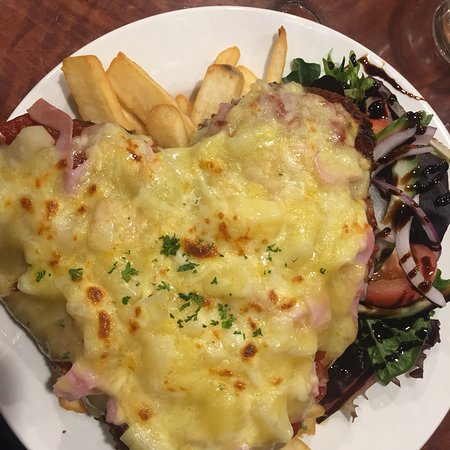 Halls Gap Tavern - Melbourne Tourism