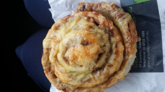 Grays Bakery Kerang - Melbourne Tourism