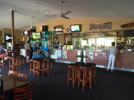 Riverview Tavern - Melbourne Tourism