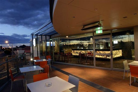 One7Eight Dining  Bar - Melbourne Tourism