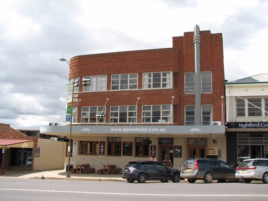 The Alpine Hotel Restaurant Cooma - Melbourne Tourism