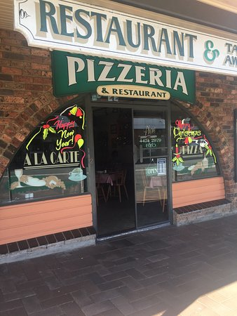 Anna  Sam Pizzeria Restaurant - Melbourne Tourism