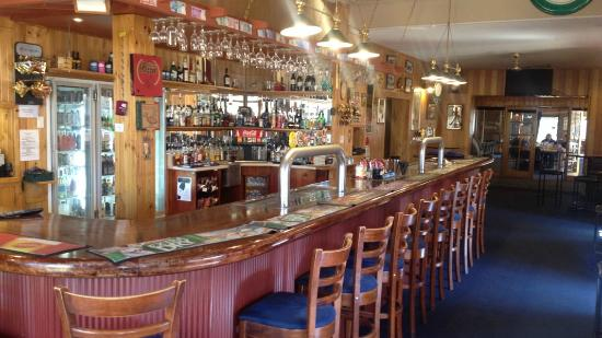 Apsley Arms Hotel - Melbourne Tourism