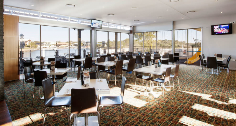 Pelican Waters Tavern - Melbourne Tourism